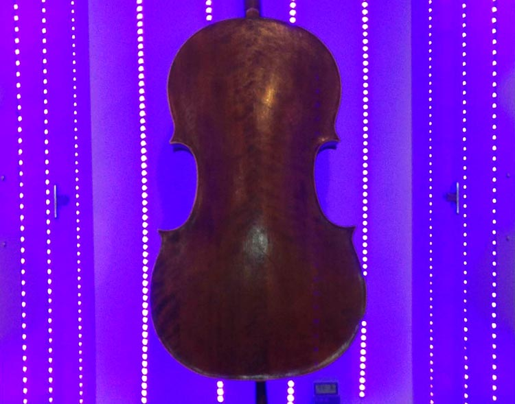 Ultra Violet LED Light box for curing violin varnish